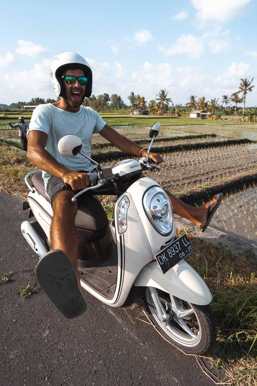 Ubud rent a scooter